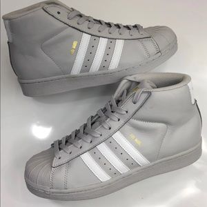New kids Adidas Pro Model j grey sz7=8.5Wmns